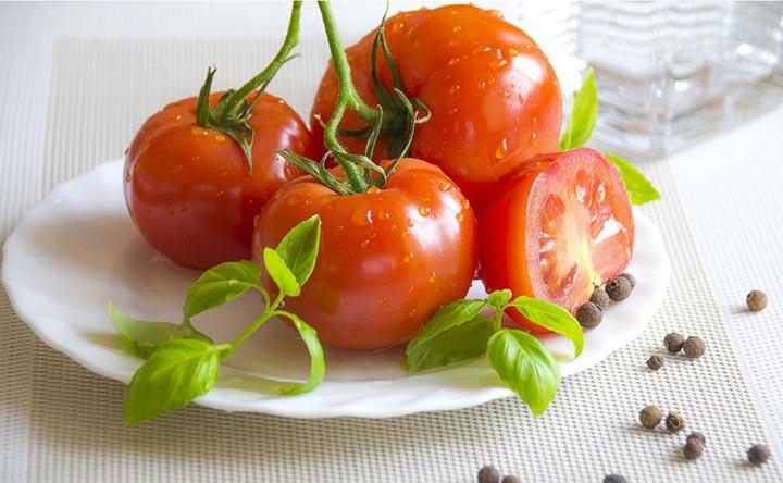Cancro allo stomaco: il pomodoro potrebbe contrastarlo