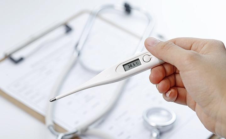 La febbre è la naturale difesa del corpo contro il cancro