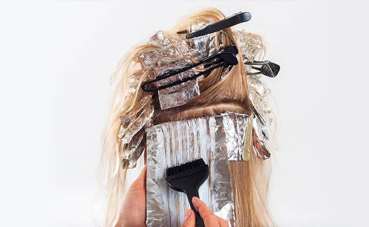 Alcuni trattamenti per i capelli possono aumentare il rischio di cancro al seno